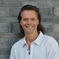 Shanghai – The Future of China's Travel Industry: Hot tubs and Bar Streets? with Brian Linden [Monday, September 17]